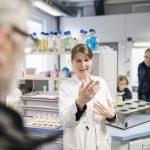 Interessierte konnten bei einer Führung durchs Labor teilnehmen  © Matthias Nemmert